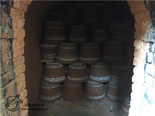 云南陶瓷之澜沧上允镇传统土陶制作